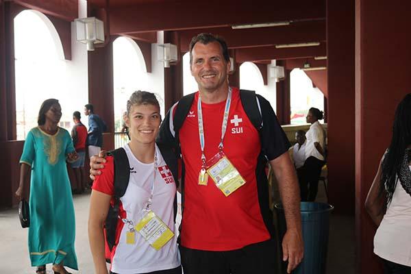 L'encadreur technique Judo de Suisse avec un de ses athlètes
